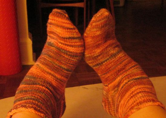 Holy Toledo! Georg knitted socks for me and they fit like she measured feets in my sleep!